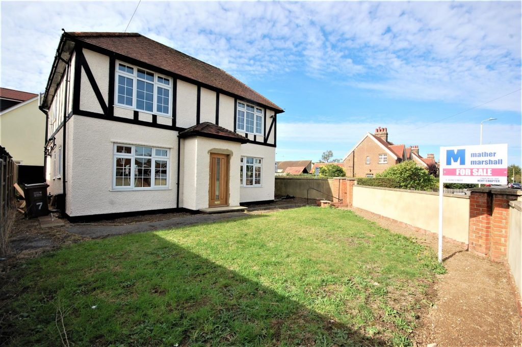 Refurbished 5 bed detached close to train station